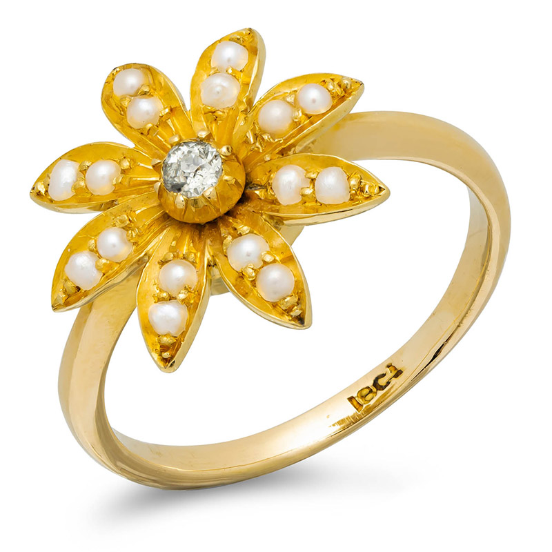 pre-owned-gold-and-pearl-flower-ring