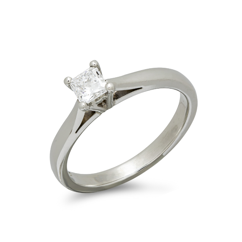 pre-owned-platinum-diamond-solitaire-ring-with-gia-certificate-hc-jewellers-royston-hertfordshire